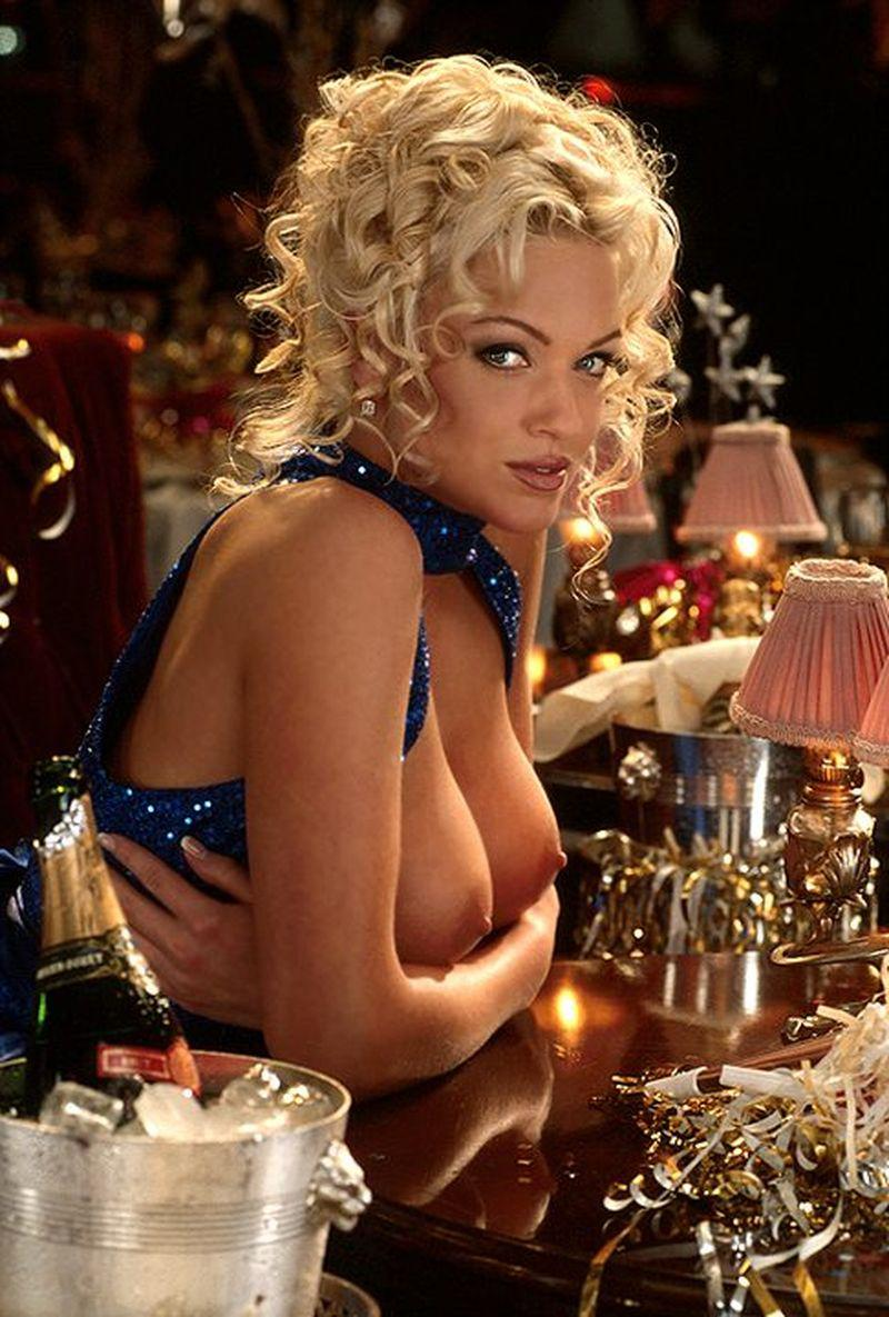 Heather Kozar Busty Babe In Stockings