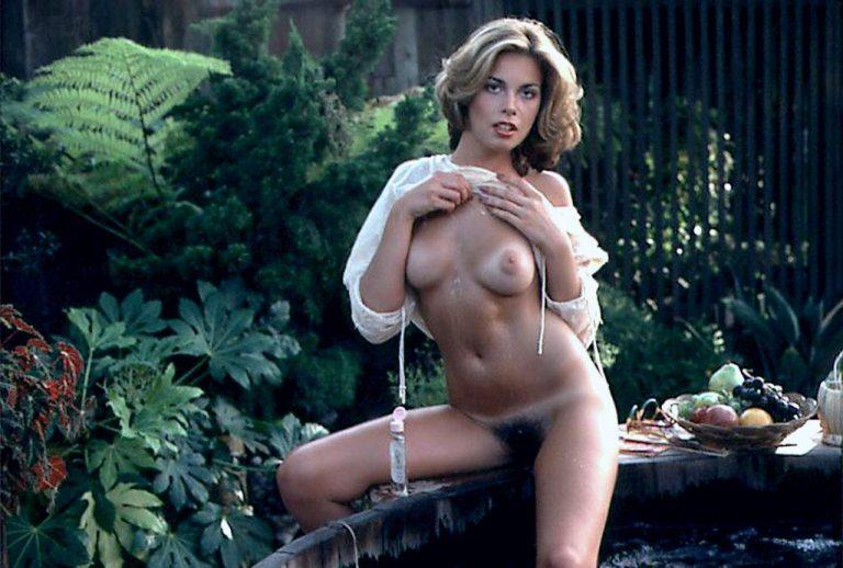Lisa Loring  nackt