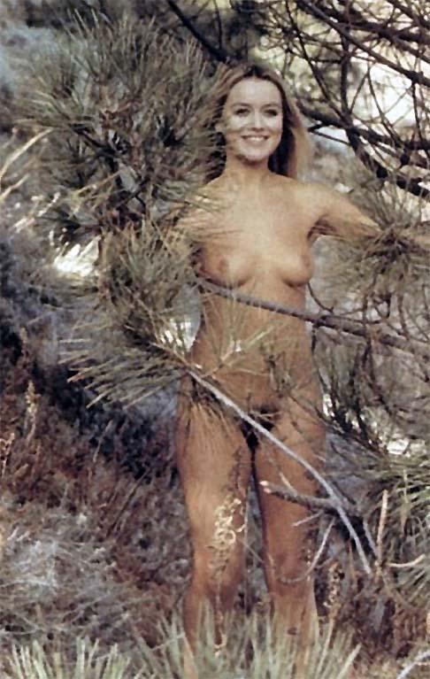 Gloria guida nuda